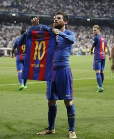 Messi's iconic celebration vs. Real Madrid (front view)