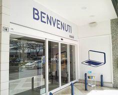 Euronics - Gruppo Cerioni S.p.A. - Ingresso punto vendita di Pesaro  #insegna #pannello #sign #dibond #vetrofanie #vinile #adesivo #stampa #digitale #print #allestimento #montaggio #adigital #pesaro