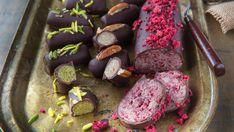 Hjemmelaget marsipan med bringebær, pistasj eller pekan