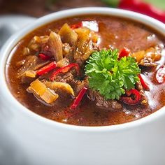 5 Hungarian soups to die for Hungarian Recipes, Goulash, Thai Red Curry, Stew, Nom Nom, Chili, Ethnic Recipes, Eastern Europe, Hungary