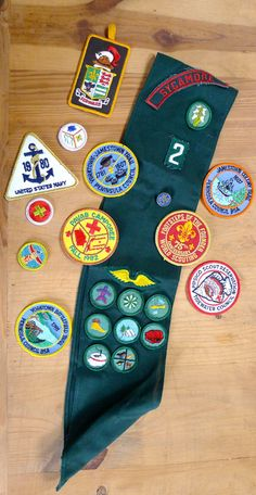 Vintage Scouting Patches Girl Scouts Boy Scouts Pins Sash Merit Badges