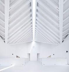Church Ceiling Wood Garden chapel / AZL Architects