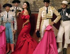 Penélope Cruz and Spanish bullfighter Cayetano Rivera Ordóñez, who shared screen time with her in Manolete. Photographed by Annie Leibovitz for Vogue December Vicky Cristina Barcelona, Spanish Dress, Spanish Style, Penelope Cruz, Sketches Of Spain, Matador Costume, Annie Leibovitz Photography, Mode Editorials, Vogue Magazine