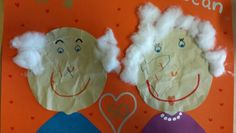 Gekreukeld papier als opa en oma. 50 jaar getrouwd Crafts For Kids, Arts And Crafts, Grandparents Day, 100 Days Of School, 50th Birthday, Christmas Ornaments, Holiday Decor, Ursula, Gifts
