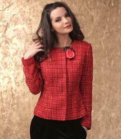 This Christmas, wear red! Swarovski, Fashion Women, Xmas Holidays, Christmas, Your Style, Romantic Fashion, Leather Jacket, Wear Red, Blazer