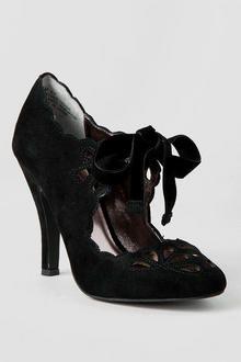Mojo Moxy Shoes, Buffy Cut Out Pump