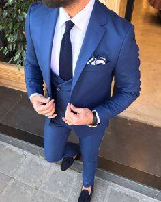 Áo vest chú rễ màu xanh dương