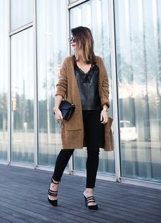 Maxi Cardigan Lace Leather Top Bucklets Shoes Skinny Jeans Outfit Street Style bmodish