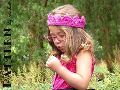 Free Princess Crown Tiara Crochet PDF Pattern. Great for a shoe box!