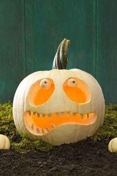 Best Pumpkin Carving Ideas Halloween 2017 - Creative Jack o Lantern Designs Happy Halloween, Halloween School Treats, Classy Halloween, Halloween Party Supplies, Halloween Art, Holidays Halloween, Halloween 2017, Halloween Witches, Halloween Celebration