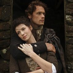 Just past the horrific hail scene in so need some pretty pics to make the images go away. Serie Outlander, Outlander Season 1, Outlander Casting, Claire Fraser, Jamie And Claire, Jamie Fraser, The Fiery Cross, Hemlock Grove, Caitriona Balfe