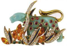 hattie carnegie jewelry brooch.