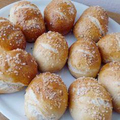 Hamburger, Recipies, Menu, Breads, Food, Recipes, Menu Board Design, Bread Rolls, Essen