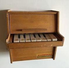 PIANOCOLOR-petit-Piano-Jouet-Ancien-Ou-Pour-Poupee-1960s