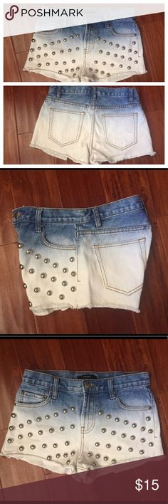 """Studded Shorts In perfect condition. No tears or stains. Inseam 2"""". Size 25. PRICE IS FIRM ty Forever 21 Shorts Jean Shorts"""