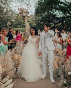 casamento jade seba e bruno guedes Boho Chic, Lace Wedding, Wedding Dresses, Jade, Fashion, Weddings, Engagement, Vestidos, Bride Dresses