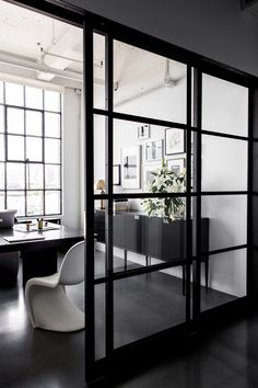 nicole-hollis-san-francisco-studio-self-designed-interior-monochrome_dezeen_2364_col_8
