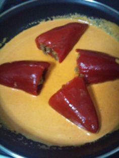 Las recetas de Maria Antonia: Pimientos de piquillo rellenos de carne picada Spanish Tapas, Carne Picada, Canapes, Chutney, Deli, Salsa, Bbq, Cheesecake, Pudding
