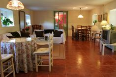 Vista amplia del salón de la 'casa rural'  www.lunacandeleda.com