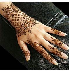 Tattoo Simple Back Heart 53 Ideas For 2019 Stylish Mehndi Designs, Mehndi Designs For Girls, Dulhan Mehndi Designs, Beautiful Henna Designs, Best Mehndi Designs, Bridal Mehndi Designs, Mehendi, Mehandi Designs, Henna Mehndi