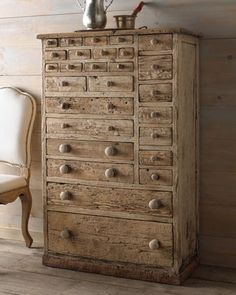 """Hampton"" Storage Chest"