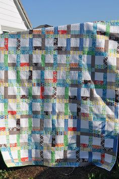 Tiffany Quilt by makeaface, via Flickr, white low volume prints would work well for the centers.