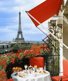 An incredible site for learning everything about luxury hotels and the French art of welcoming on this site: http://www.laurentdelporte.com/en/ Plaza Athénée  Paris, France