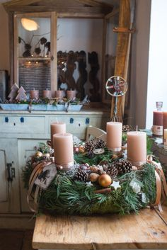 Creating a Rustic Winter Christmas Centerpiece can be easier than you think. Come see these creative ideas for creating your own Rustic Winter Centerpiece! Christmas Advent Wreath, Christmas Candles, Winter Christmas, Christmas Crafts, Christmas 2014, Christmas Fashion, Christmas Table Centerpieces, Xmas Decorations, Advent Candles