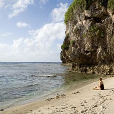 Life's a beach, but a deserted beach is the stuff of dreams. Find your island paradise with Expedia.