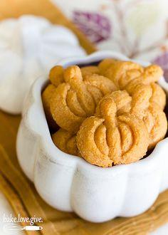 vanilla bean spritz wreaths recipes dishmaps spritz wreaths spritz ...