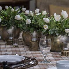 White tulips for a warm inviting tablescape. #sharethebounty #decor #flowers #americangrown #mossmountainfarm #tablescape #cheer #newyear