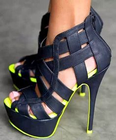 Lovely Summer Shoe. I could totally add some paint or nail polish
