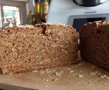 Rezept Fitness Vollkornbrot super saftig & saulecker von Thermiqueen Nadine - Rezept der Kategorie Brot & Brötchen