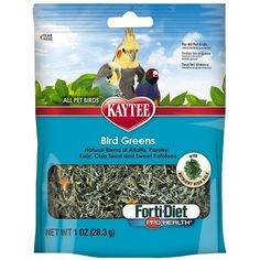 Reward your #Parrot with these new Kaytee Bird Greens Pro Health foraging #parrottreats! Sprinkle some over your parrot's food or add in their favourite foraging toys for greater mental stimulation. The healthy treats will enrich your #bird's normal diet with a variety of delicious vegetables such as sweet potato, kale, alfalfa and more. #ParrotEssentials