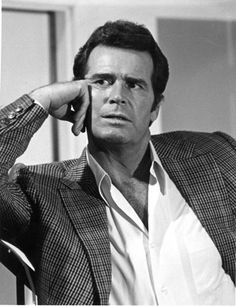 James Garner - typical Rockford pose ❤ He was a handsome guy. A manly man.