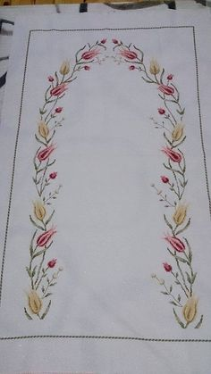 This Pin was discovered by Ünz Cross Stitch Embroidery, Hand Embroidery, Cross Stitch Patterns, Embroidery Designs, Embroidered Quilts, Prayer Rug, Bargello, Cross Stitch Flowers, Square Quilt