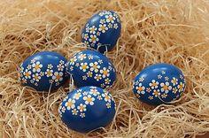 Kraslice - Margarétky Easter Arts And Crafts, Easter Egg Crafts, Eastern Eggs, Easter Egg Designs, Ukrainian Easter Eggs, Coloring Easter Eggs, Egg Art, Egg Decorating, Handmade