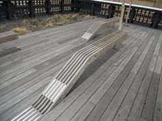 Skaters paradise: Benches floating out of wood or concrete - Bench In Highline Park