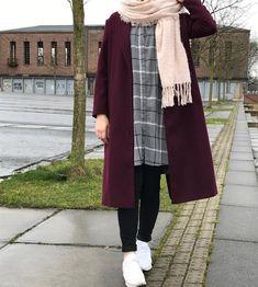 """Weather in Germany always like this – Hijab Fashion Hijab Casual, Hijab Chic, Ootd Hijab, Winter Mode Outfits, Casual Winter Outfits, Winter Fashion Outfits, Fashion Fall, Modern Hijab Fashion, Muslim Fashion"