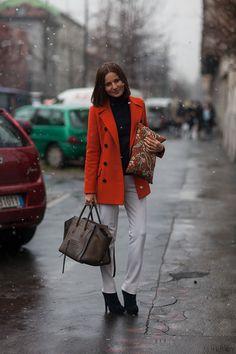 white pants and orange jacket. c/o HB Twirling Clare: London + Milan Wrap-Up Milan Fashion Week Street Style, Milan Fashion Weeks, Autumn Street Style, Street Chic, Cool Style, My Style, Simple Style, Fashion Articles, Celine Bag