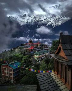 Kalpa, Himachal Pradesh KALPA - A place that epitomises the meaning of serenity Credit 📸 - Beautiful Places To Travel, Cool Places To Visit, Wonderful Places, Travel Destinations In India, India Travel, Mountain Photography, Travel Photography, Travel Around The World, Around The Worlds