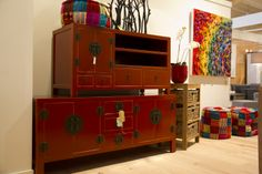 Ruime keuze Chinese tv meubels uit voorraad leverbaar in het rood, wit en zwart. http://www.happy-home.nl/shop/chinese-meubelen.html