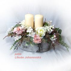 Velký boho svícen (246) Trvanlivá dekorace v romantickém duchu. V cementové nádobě imitující březovou kůru a v záplavě umělých květin realisticky vyhlížejících (růže, třešňové květy, wax, eukalyptus, bylinky, vřes), doplněných přírodním lišejníkem, jsou umístěny dvě svíčky krémové barvy na kovových bodcích, takže jsou snadno vyměnitelné. Cementová... Table Decorations, Vintage, Home Decor, Homemade Home Decor, Decoration Home, Primitive, Dinner Table Decorations, Interior Decorating, Center Pieces