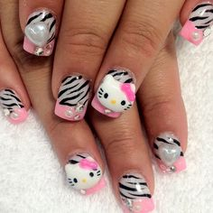 i love this nails so much i want my done like that too!