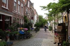 Woonerf is an urban planning strategy that creates complete streets with pedestrian safety in mind. What makes a street complete and what makes a woonerf?