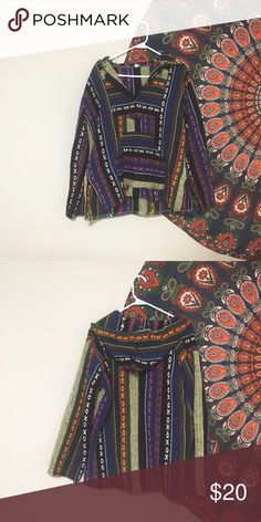"""tribal Aztec beach Mexican poncho hoodie small Never worn Pacsun pacific sunwear knit unisex tribal Aztec surf beach Mexican poncho hoodie small Very loose, baggy, thick knit sweater Bust: 46"""" Waist: 46"""" Length: 25"""" Sleeve length: 25"""" 25oz PacSun Sweaters Shrugs & Ponchos"""