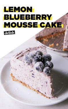 Mousse Cake This Lemon Blueberry Mousse Cake will make it feel like summer.This Lemon Blueberry Mousse Cake will make it feel like summer. Summer Desserts, Just Desserts, Delicious Desserts, Dessert Recipes, Jello Desserts, Dessert Cups, French Desserts, Blueberry Recipes, Blueberry Cake