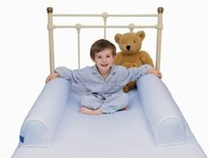 Blow up the inflatable tubes and pop them in the pockets of the specially designed soft 100% white cotton sheet, making a cosy barrier to stop a child falling out of bed! Very clever.