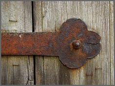 Zwei alte Türen mit rostigen Details 10 |by fotomanni, Flickr - Photo Sharing!