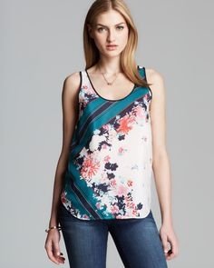 French Connection Top - Fast Belle Garden Border in Multicolor (White/Multi)